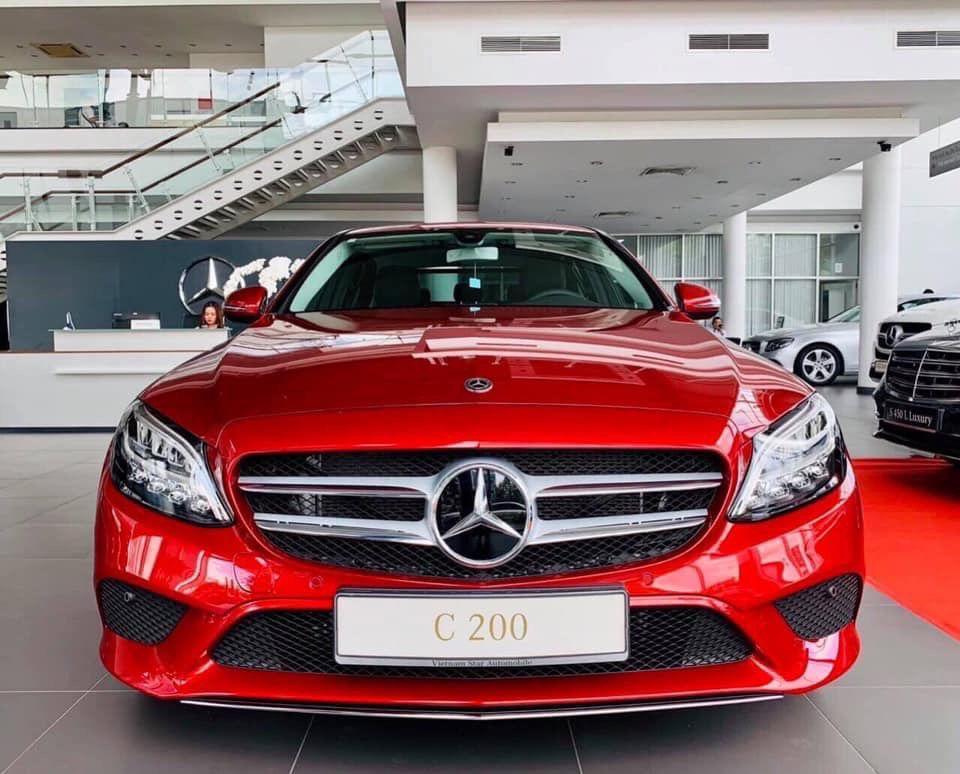 So Sánh Chi Tiết Thông Số Và Giá :Mercedes C200 Facelift và Mercedes 200 Exclusive
